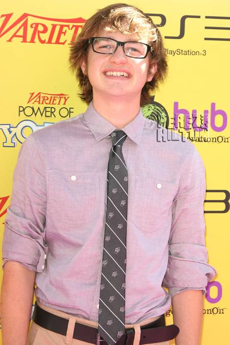 angus t jones pastor supports controversial comments