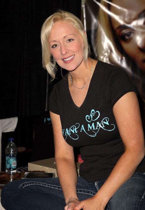 Mindy McCready3-20111202-5.jpg